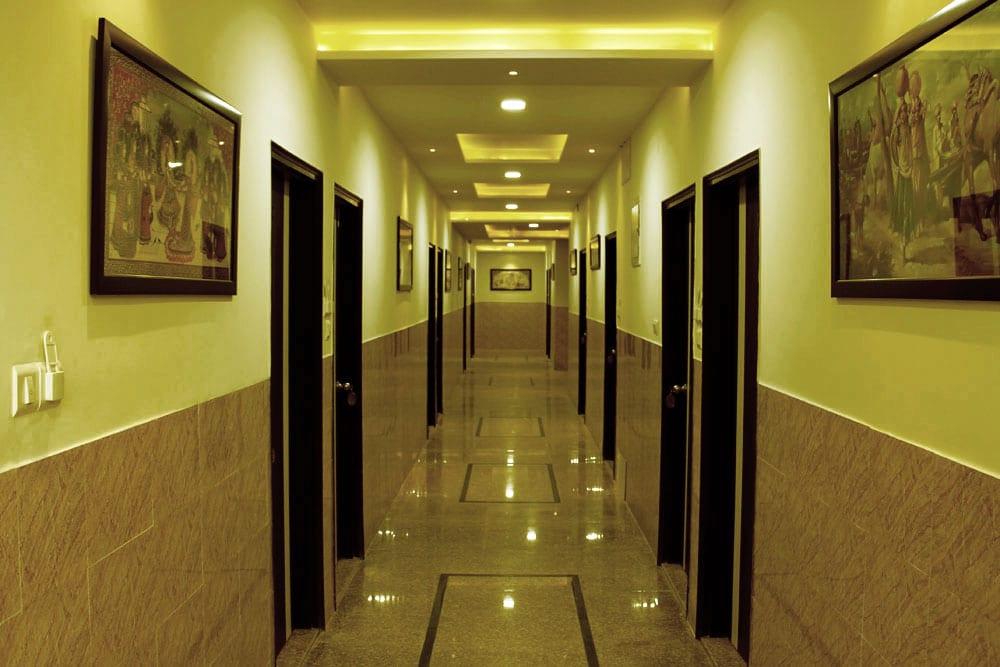Best Luxury Room hotel in Budget