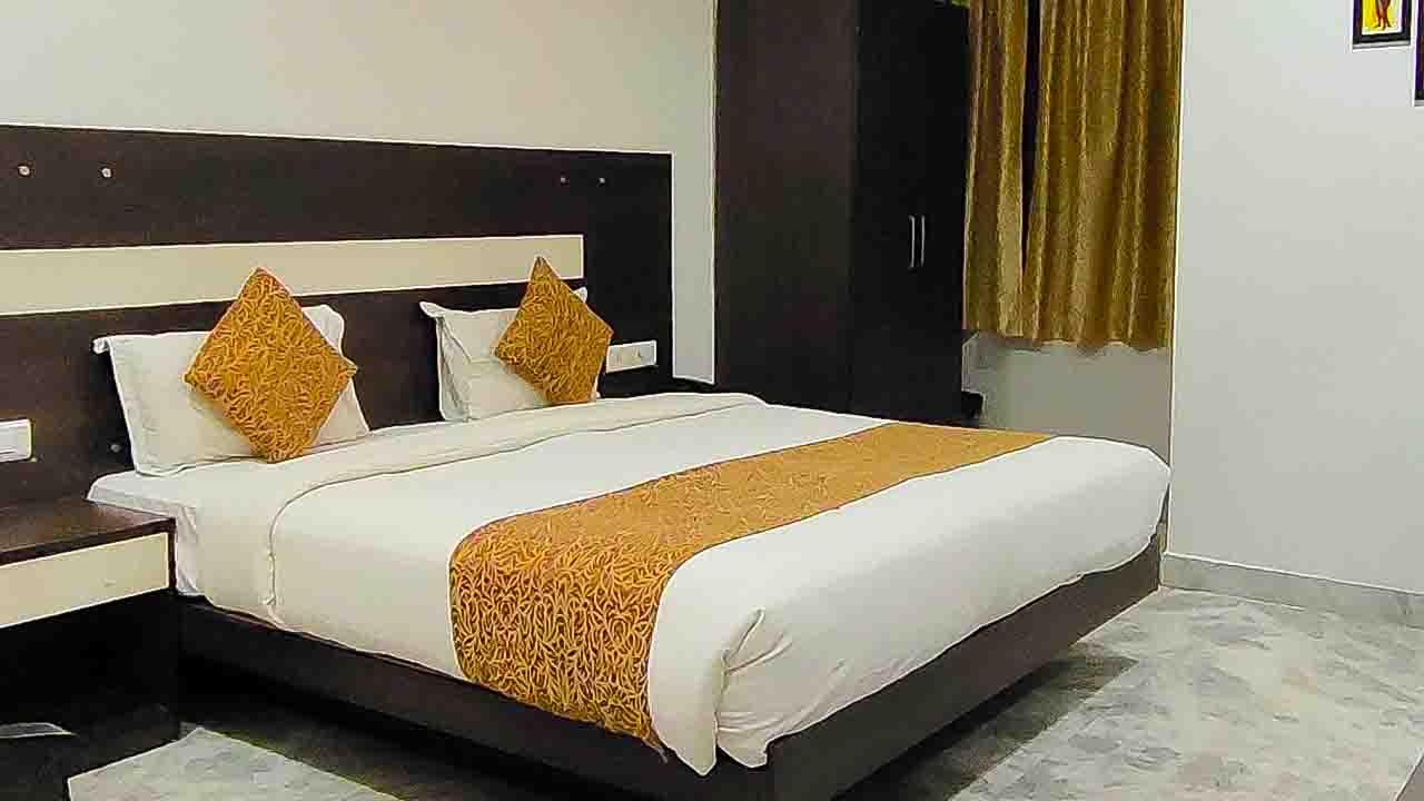 Hotel Royal Dezire-Best Luxury Room hotel in Budget